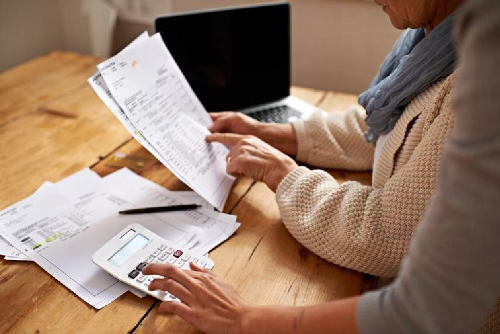 Lucrați de acasă: de unde să găsiți locuri de muncă online și cum să începeți