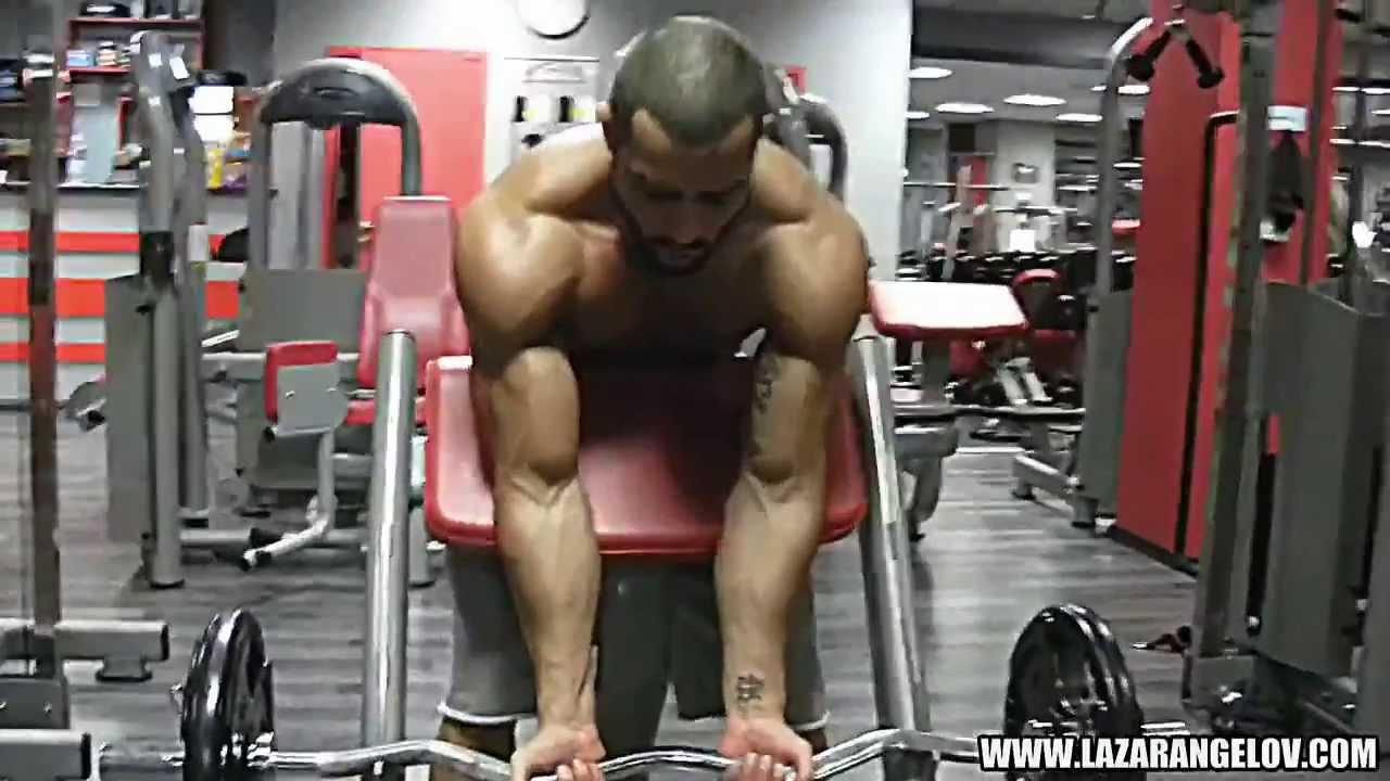 muscular poate face bani