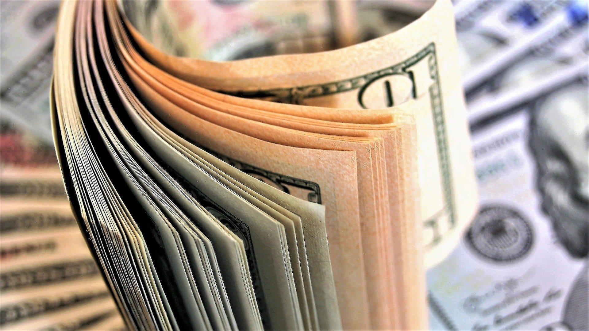 Bani din Jocuri