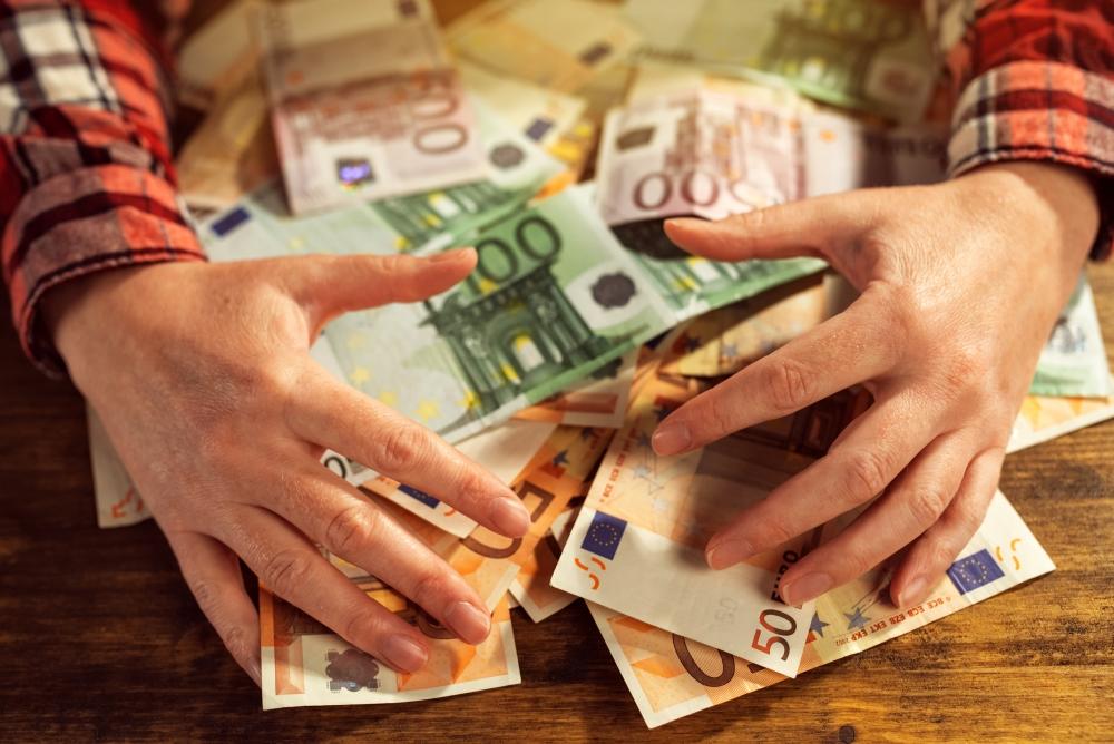 cum să câștigi o sumă mare de bani într- o lună