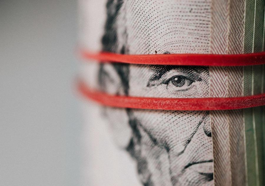 opțiuni de la 10 dolari pozițiile comercianților comerciale