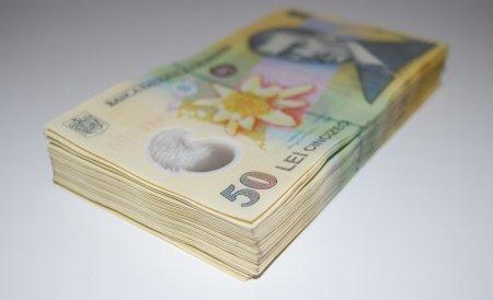 cum câștigă tinerii mulți bani