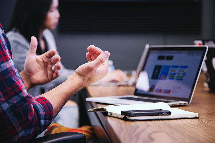 este posibil să aveți încredere în investitorii privați de pe internet?