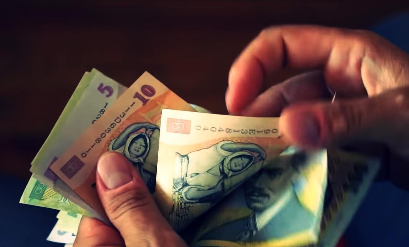 toți banii nu vor câștiga o viață singură