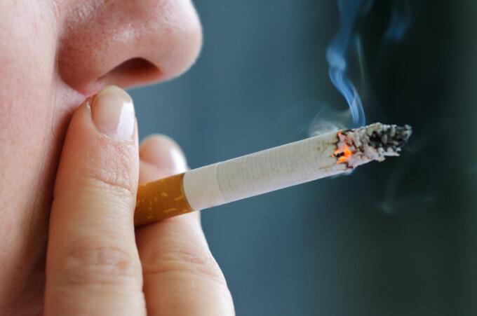 Un miliard de euro! Atat pierde statul din comertul ilicit cu tigari - productis.ro